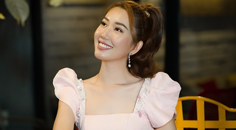 Thuy Ngan: 'Bay gio, toi can gi dung tinh cam voi Trung Dung de PR' hinh anh
