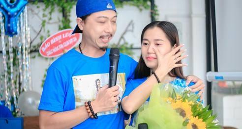 Lam Vy Da bat khoc khi Hua Minh Dat quy goi cau hon hinh anh
