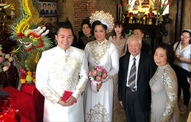 NSND Hong Van, Le Tuan Anh hanh phuc trong ngay cuoi con gai o Sai Gon hinh anh 5