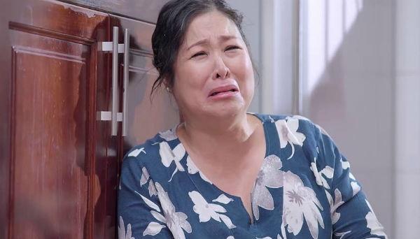 'Gao nep gao te': Ba Mai khoc nuc no vi bi chong va me chong la mang hinh anh