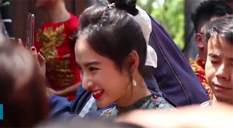 Angela Phuong Trinh, Nam Thu va dan sao Viet ron rang di gio To hinh anh