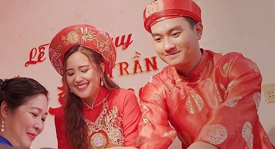 'Gao nep gao te': Minh va Nhan to chuc dam cuoi sau thoi gian trac tro hinh anh