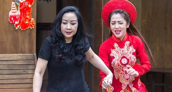 'Gao nep gao te': Che con re ngheo, ba Linh pha dam cuoi cua Trinh hinh anh