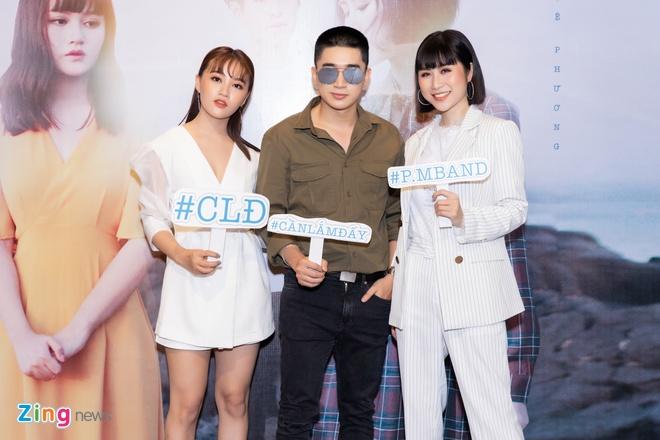 Hoc tro cua Dong Nhi bi nhan xet hat giong Huong Tram trong MV moi hinh anh 3