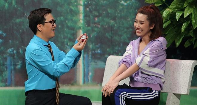 Thuy Ngan lam ban gai Truong Giang, xuat sac gianh cup On gioi hinh anh