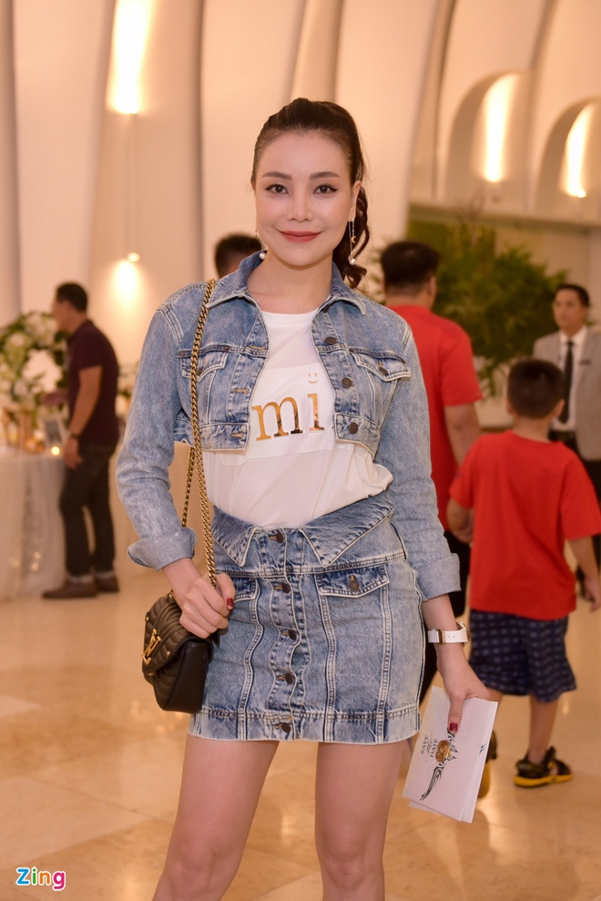 Thu Thuy, Pham Quynh Anh xung xinh du dam cuoi Ung Hoang Phuc hinh anh 10