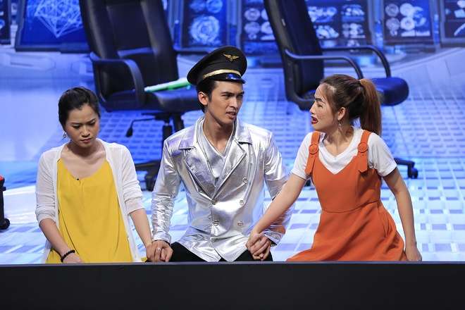Hoai Linh xuc dong khi Long Nhat dien tinh cam gia dinh o On gioi hinh anh 2