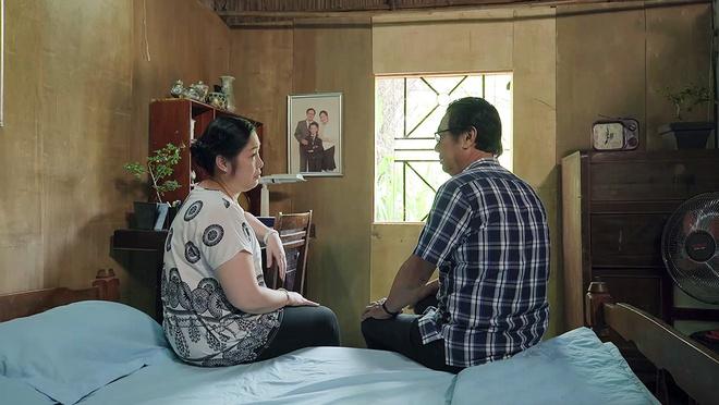 'Gao nep gao te' tap 92: Cha quy goi duoi mua, xin chu no tha cho Han hinh anh 1