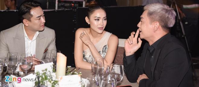 Minh Hang khac la, Jun Vu goi cam tren tham do hinh anh 4