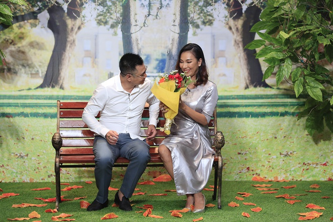 Phi Nhung khien Truong Giang bat ngo khi noi yeu Hoai Linh tai On gioi hinh anh 2