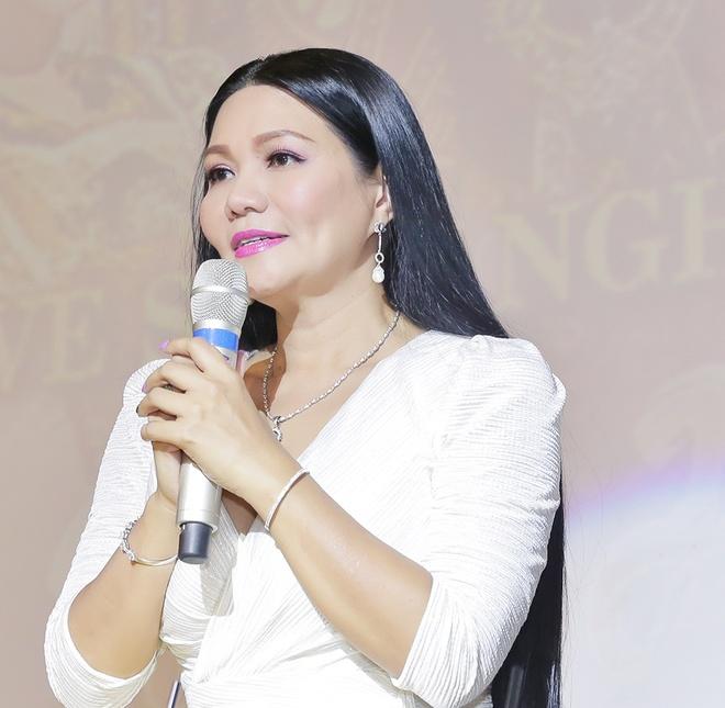 Ngoc Huyen bat khoc khi live show bi huy vao phut chot hinh anh 1