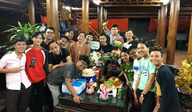 Tran Thanh du sinh nhat Hoai Linh anh 6