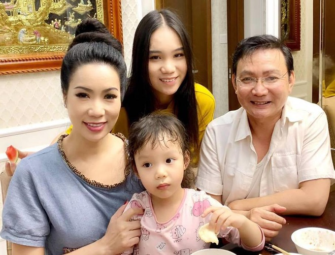 Con gai 16 tuoi cua Trinh Kim Chi cao 1,72 m, xinh xan va hoc gioi hinh anh 8