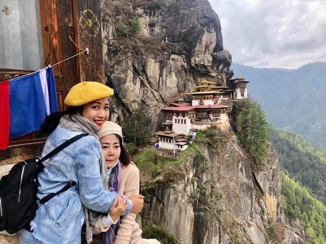 Mai Phuong bi ung thu van chinh phuc dinh nui cao 3.000 m o Bhutan hinh anh 1