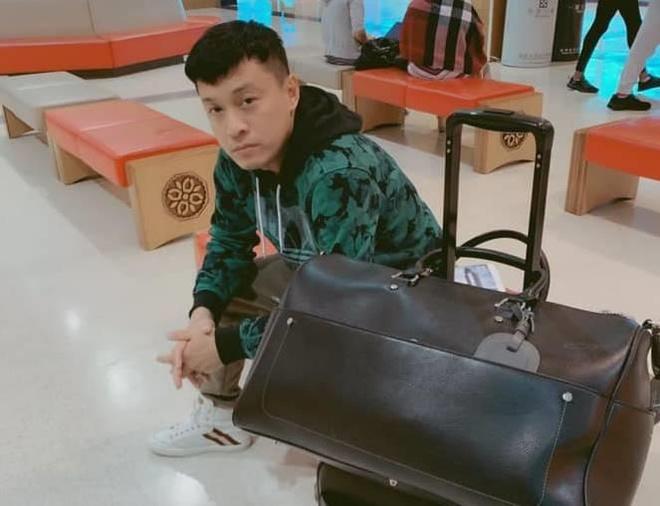 Lam Truong bi mat ho chieu, phai ngu va vat o san bay Dai Loan hinh anh 2