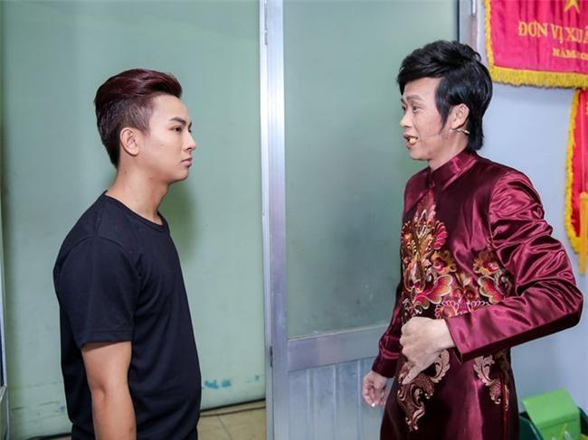 Hoai Lam dien trong show Hoai Linh sau tuyen bo dung ca hat hinh anh 1