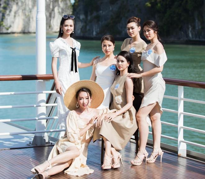 Nguoi dep Hoa hau The gioi Viet Nam 2019 tao dang tren du thuyen 5 sao hinh anh 2