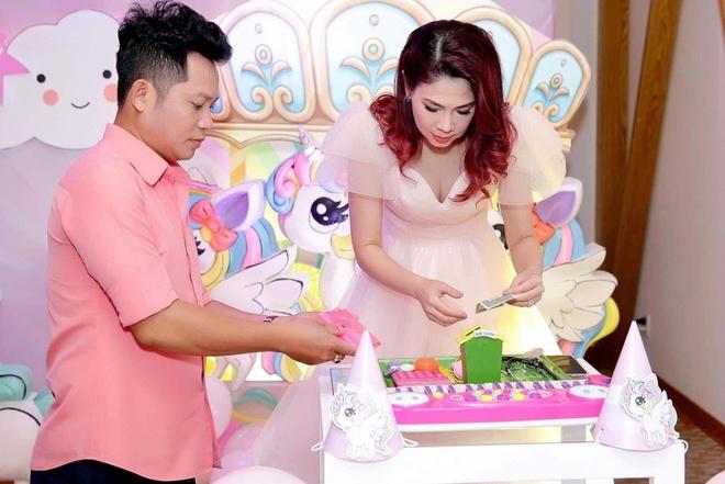 Viet Huong, Hien Mai du sinh nhat con gai Thanh Thao o Viet Nam hinh anh 1