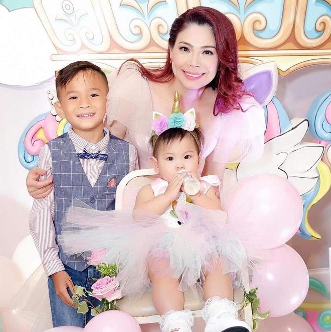 Viet Huong, Hien Mai du sinh nhat con gai Thanh Thao o Viet Nam hinh anh 3