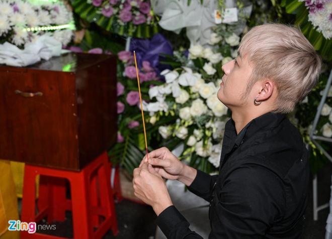 Chi Tai, Kieu Oanh va nhieu nghe si den vieng bien dao Huu Tri hinh anh 5