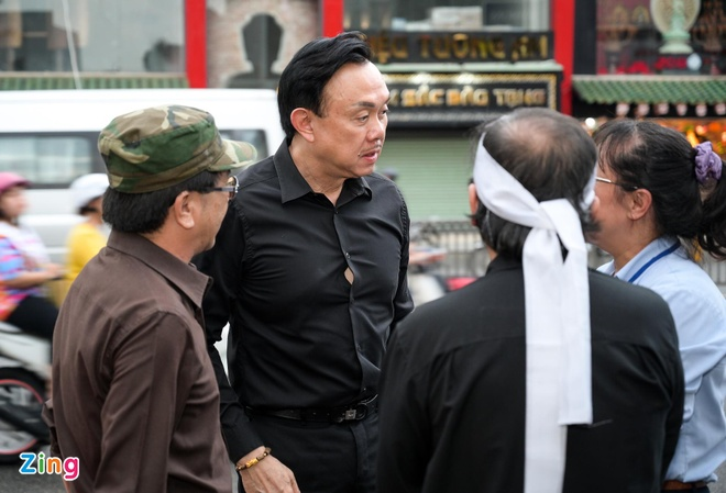 Chi Tai, Kieu Oanh va nhieu nghe si den vieng bien dao Huu Tri hinh anh 2