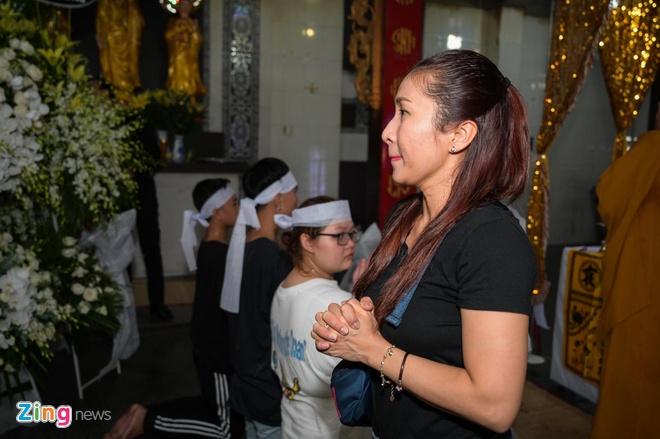 Chi Tai, Kieu Oanh va nhieu nghe si den vieng bien dao Huu Tri hinh anh 7