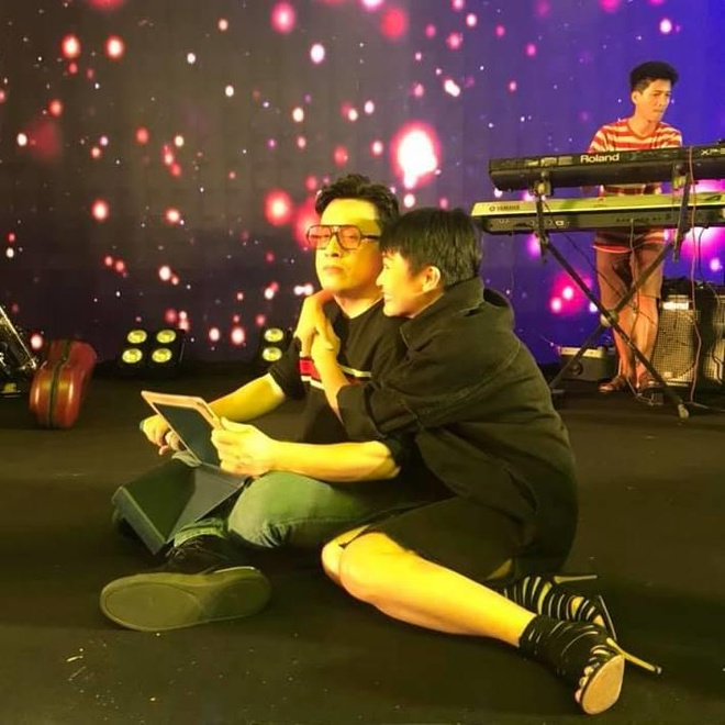 Phuong Thanh om Lam Truong tinh cam o buoi tap khien fan thich thu hinh anh 2