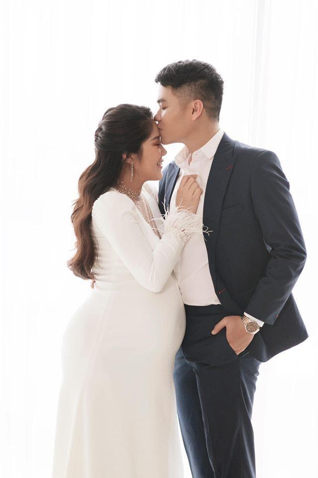 Diễn viên Lê Phương nặng 80 kg khi mang bầu lần hai