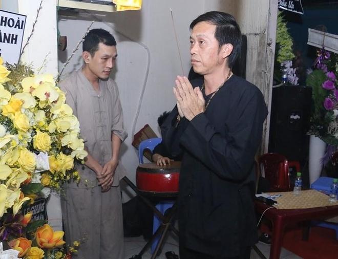 Hoai Linh va nhieu sao Viet ve Can Tho vieng nghe nhan Thanh Giao hinh anh 1
