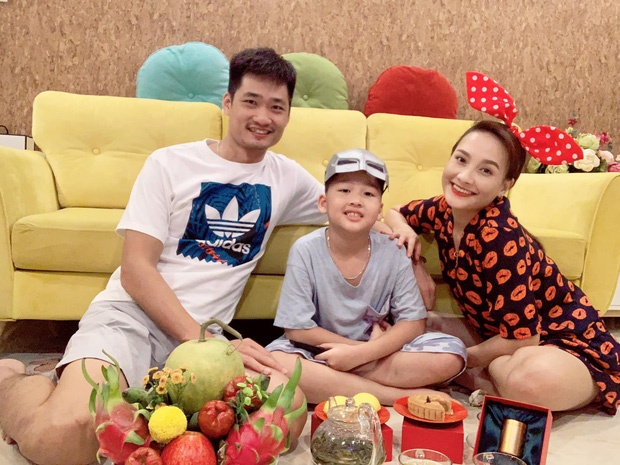 Angela Phuong Trinh hoa chi Hang, Hoa Minzy ben ban trai dem Trung thu hinh anh 7