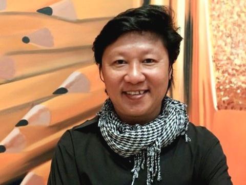 Nha thiet ke Sy Hoang: 'Dung nem da ca si My mac ao dai khong quan' hinh anh 3