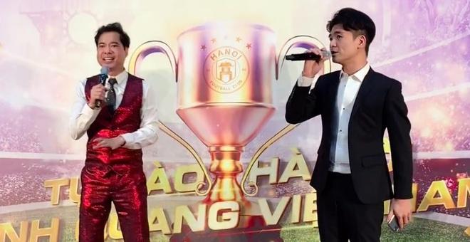 Con trai bau Hien va Ngoc Son hat 'Vang trang co don' hinh anh