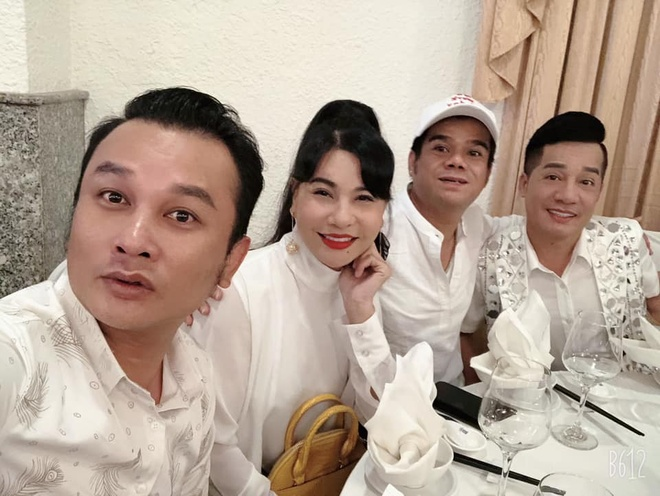 Cat Phuong, Tien Luat du tiec cuoi con nghe si hai Trung Dan hinh anh 1