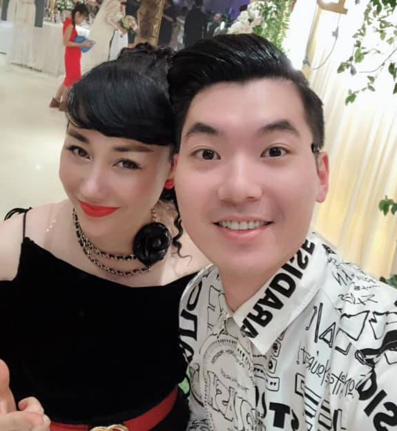 Vo chong Truong Nam Thanh khoe anh 2 con sinh doi hinh anh 2