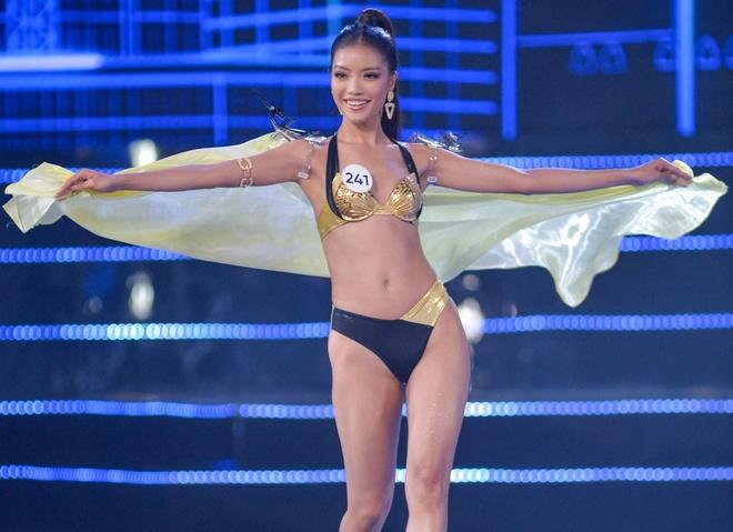 Phan trinh dien bikini nong bong cua top 15 Hoa hau Hoan vu Viet Nam hinh anh