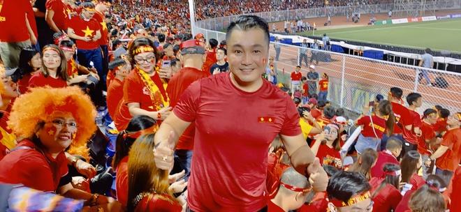 Ly Hung va hang nghin CDV o Philippines an mung chien thang hinh anh