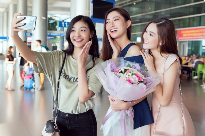 Luong Thuy Linh ve nuoc sau Miss World anh 4