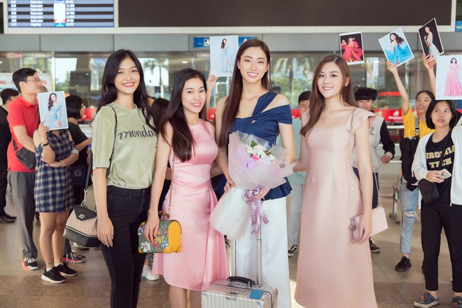 Luong Thuy Linh ve nuoc sau Miss World anh 2