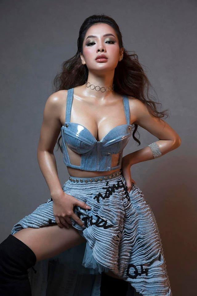 Nhung sao Viet chuong vay ao khoe so do 3 vong hinh anh 5 60520633_2305880362789030_7137786568466497536_o.jpg