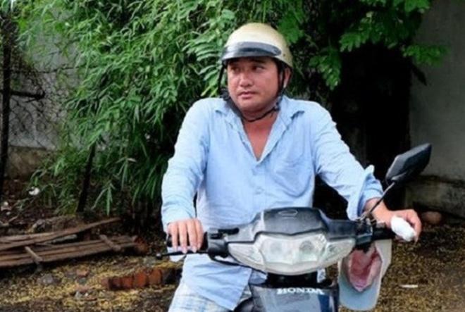 Nghe si Viet tung lai xe, rua chen, ban xoi kiem song hinh anh 7 2_71832.jpg
