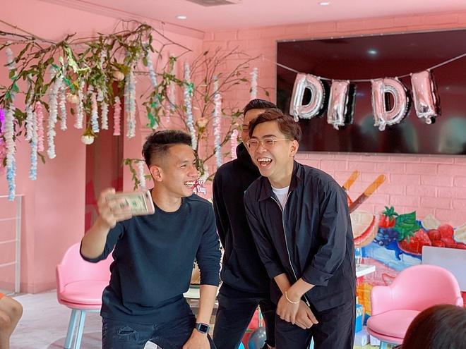Minh Du hoi ngo cau thu Phan Van Duc, Hong Duy hinh anh 1 Minh_Du_x_Hong_Duy_7_.JPG