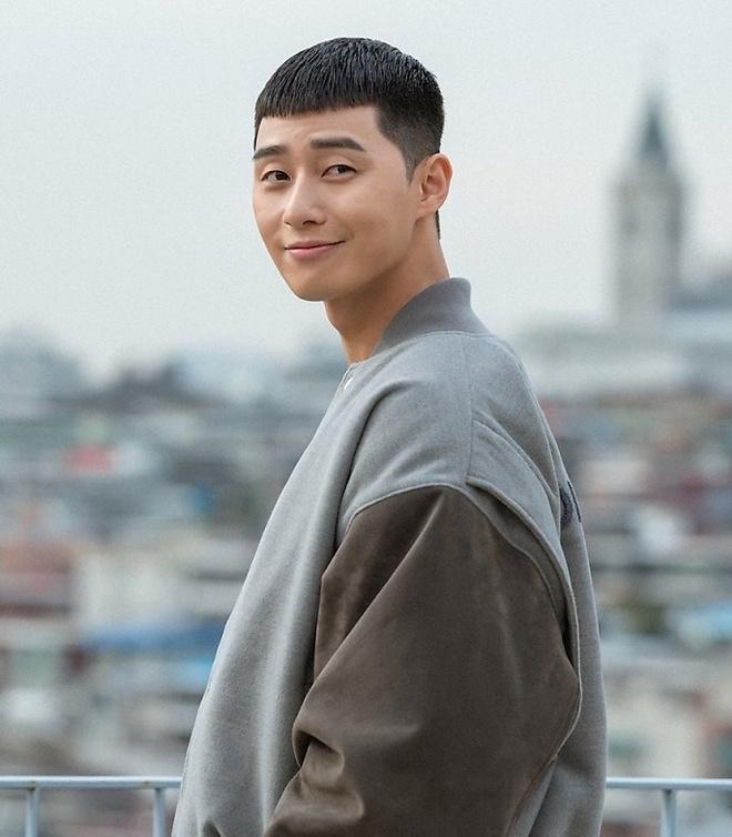 Truong Giang, Ung Hoang Phuc cat toc ngo giong Park Seo Joon 'Itaewon' hinh anh 2 Park_Seo_Joon_4.jpeg