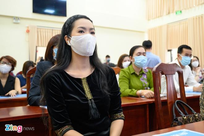 Trinh Kim Chi va nhieu nghe si gop tien chong dich hinh anh 1 NGUYEN_BA_NGOC_ZING_5095.jpg