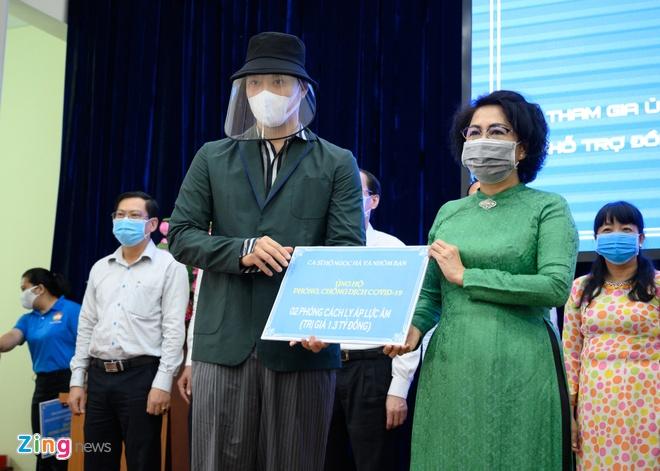 Trinh Kim Chi va nhieu nghe si gop tien chong dich hinh anh 4 NGUYEN_BA_NGOC_ZING_5122.jpg