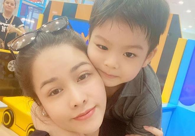 Chong cu Nhat Kim Anh: 'Con trai muon song voi toi va ong ba' hinh anh 2 2667718720005494_7785522569335013376_o.jpg