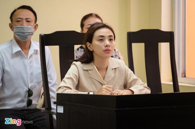 Nu ca si Miko Lan Trinh va ong bau Hoang Vu ra toa sau 7 nam hinh anh 2 NGUYEN_BA_NGOC_ZING_7731.jpg