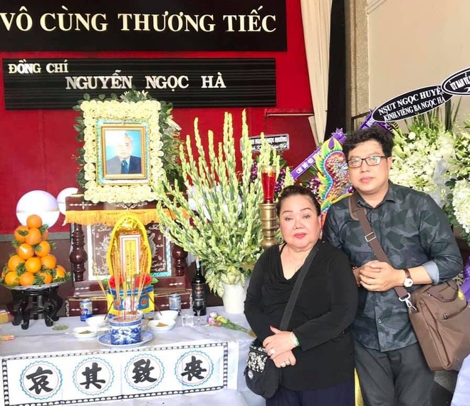 NSND Ngoc Giau, Le Thuy den vieng nghe si cai luong 'Doi co Luu' hinh anh 1 98884443_10214571338757408_613767087344582656_n.jpg