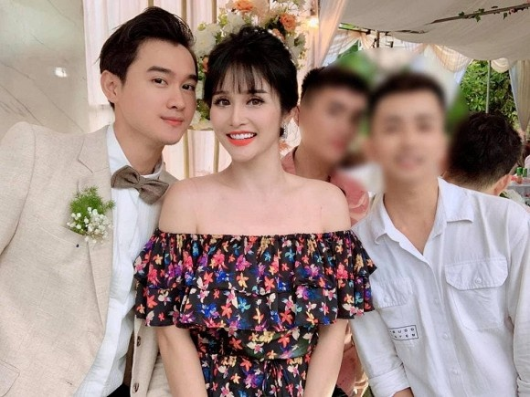 Thao Trang dam cuoi o vung lu anh 3