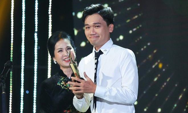 Xuan Nghi xin tien Minh Nhi anh 2