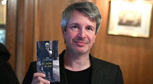 Tac pham viet ve Hitler thang giai Goncourt 2017 hinh anh